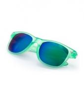 Groene zonnebril met spiegelglas