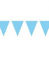 Groot formaat lichtblauwe vlaggenlijnen