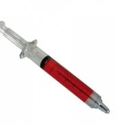 Injectienaald pen met rode vloeistof