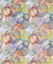 Inpakpapier wit met gekleurde cirkeltjes 70 x 200 cm