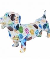 Kado spaarpot witte hond teckel met hartjes print 19 cm