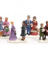 Kerstdorp figuren mensen 4 stuks