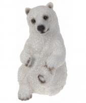 Kerstlandschap ijsbeer beeldje 15 cm type1