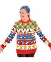 Kerstmis trui met rendieren en kerstbomen