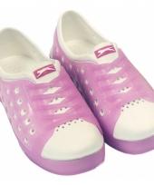 Kinder waterschoen van het merk slazenger in roze wit