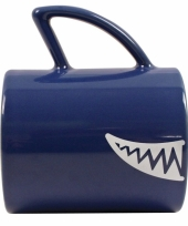Koffiebeker in haaien uitvoering blauw
