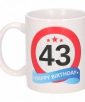 Koffiemok verkeersbord thema 43 jaar 300 ml