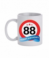 Koffiemok verkeersbord thema 88 jaar 300 ml