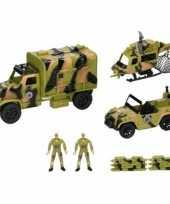Legervoertuigen en poppetjes 8 delig