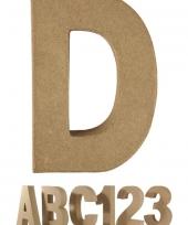 Letter d van papier mache voor decoratie