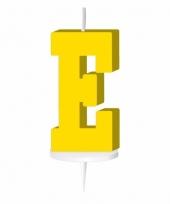 Letter kaarsen geel e