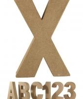 Letter x van papier mache voor decoratie