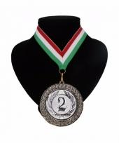 Medaille nr 2 halslint rood wit en groen