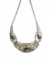 Middeleeuwse halsketting met drie diamanten