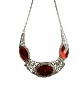 Middeleeuwse halsketting met drie robijnen