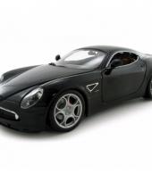 Model auto alfa romeo 8c competizione zwart 1 18