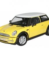 Model auto mini cooper geel 1 24