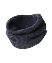 Modern gebreide sjaal navy
