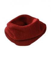 Modern gebreide sjaal rood