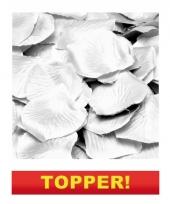 Mooie witte rozen blaadjes 10049630