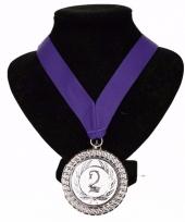 Nr 2 aan halslint paars