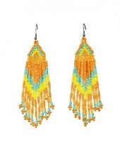 Oranje indianen kralen oorbellen