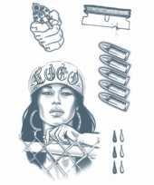 Plak tatoeages gevangene