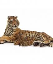 Plastic papo dier tijgerin met zogende welpen