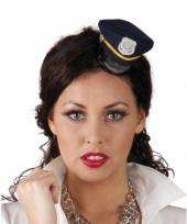 Politie petje op haarband