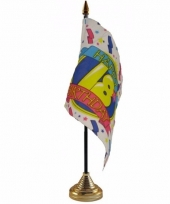 Polyester 18 jaar vlag 10 x 15 cm tafel versiering