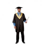 Professor toga met doctoraat muts
