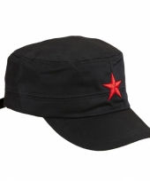 Rebel pet met rode ster
