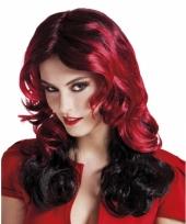 Rode vampieren pruik voor dames
