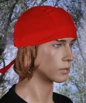 Rood gekleurde bandana uni 1