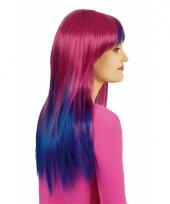 Roze met blauwe damespruik
