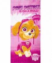 Roze paw patrol is on a roll handdoeken