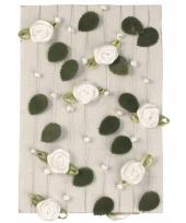 Slingers van witte rozen 2 meter