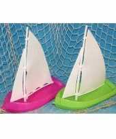 Speelgoed zeilbootjes groen