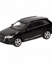 Speelgoedauto audi q7 zwart 12 cm
