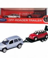 Speelgoedauto bmw met auto op aanhanger 1 60