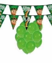 St patricks day feestartikelen met ballonnen en slingers