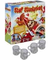 Stef de stuntpiloot drankspel zuipspel drinkspel 2 4 spelers met 4x shotglaasjes