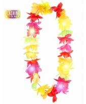 Tropische bloemenkrans met lichtjes