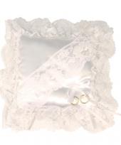 Trouwringen kussentje wit