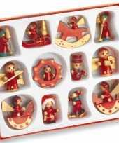 Twaalf houten kersthangers