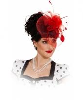 Vintage hoedje rood met rozen op kam