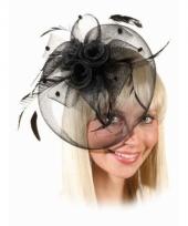 Vintage hoedje zwart met rozen op kam