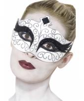 Wit oogmaskertje met zwarte glitter versiering