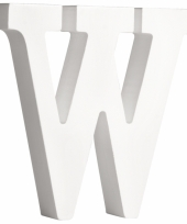 Witte houten letter w