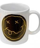 Witte koffie beker met dead smiley